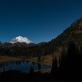 Mount Rainier im Licht des Vollmonds